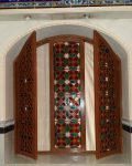 تعمیرومرمت پنجره گره چینی چوبی حسینیه اعظم
